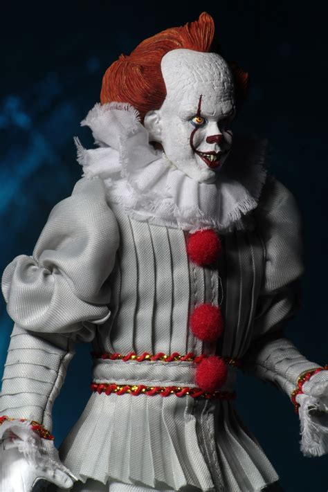 Toy Fair 2019 - NECA IT 2017 Pennywise 8-Inch Clothed
